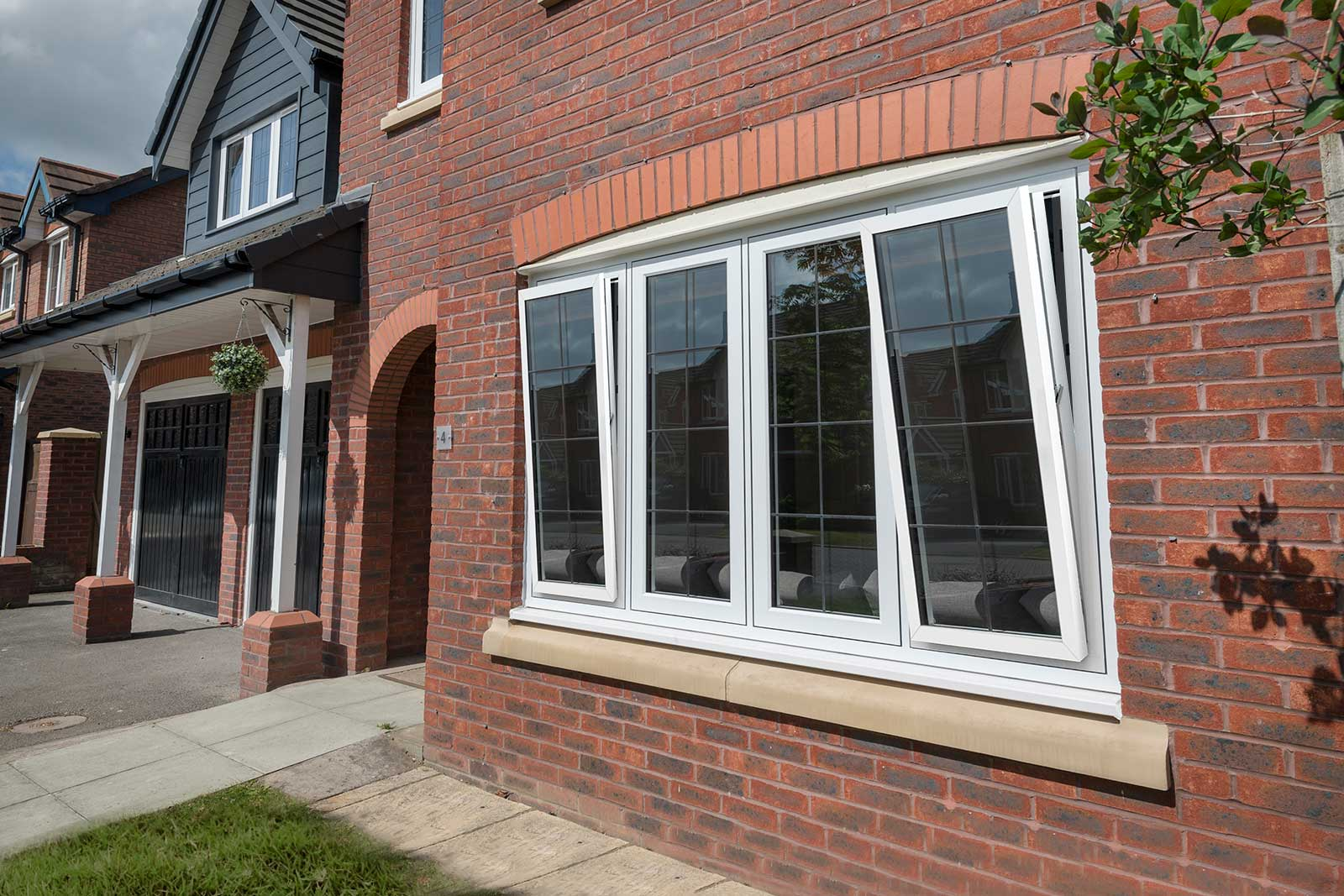 tilt and turn sash windows milton keynes
