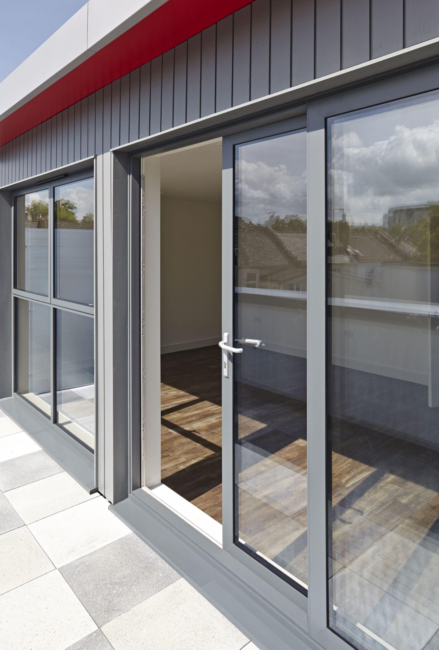 SMART Architectural Lift Sliding Doors Residential Milton Keynes